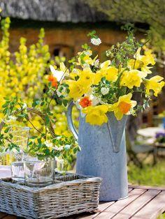 Lust auf Sonne? Gelbe Blumen kreativ in Szene gesetzt! - dekoration-blumen-freude-h7