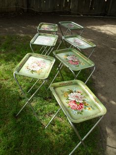 Vintage CAL-DAK TV Trays Floral shabby chic by therecyclingethic