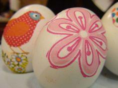 Διακόσμηση πασχαλινών αυγών με χαρτοπετσέτες