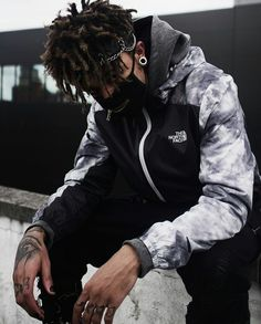 ❤ Photography Poses For Men, Lifestyle Photography, Mode Poster, Best Rapper, Other Outfits, Streetwear Fashion, Streetwear Brands, Pretty People, Street Wear