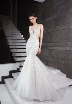 a5ec98b0e9 Beaded Floral Appliques Fit And Flare Wedding Dress by Tony Ward Tulle  Skirt Wedding Dress