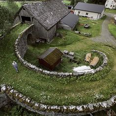 Now that I learned about Fibonacci, I see it in images in so many forms@  Barn In Valldal