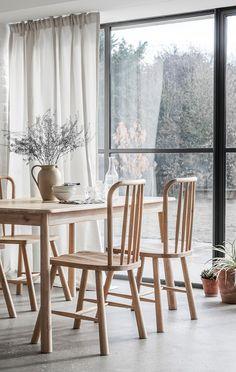 Esstisch Gruppe Im Nordischen Stil   Praktisches Und Elegantes Design Aus  Eichen Massivholz