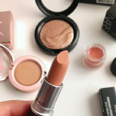 I love Creme d'nude. Its my all time fav lippie that goes with anything!
