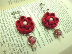 Red kanzashi flower dangle earrings made of vintage by JagataraArt #flowerearrings #fabricjewelry #textilejewelry #tsumamikanzashi #craftshout