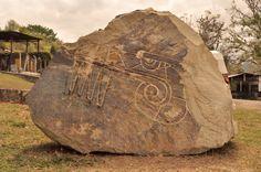 Kathy Munguia, Ciclo Vital, vista posterior, talla en piedra 2012