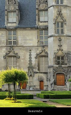 | ♕ | Chateau in Beauvais - Picardie, France | by © S. Lo via ysvoice : coeurdelhistoire