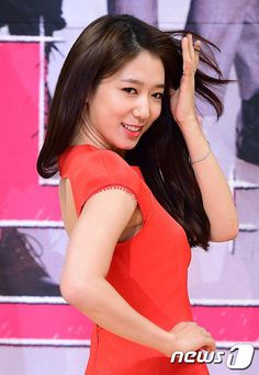 """7 South Korean actresses who embody the word """"Love"""" http://dfvr.co/1ByNOw1 @ThePSHIC"""