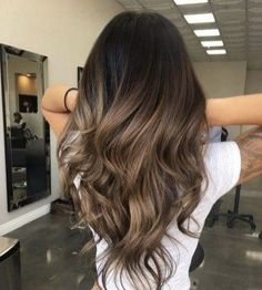 Obsessed Rose Gold Hair Colors & Highlights for Women in 2018 . - Obsessed rose gold hair colors & highlights for women in 2018 - Brown Hair Balayage, Brown Hair With Highlights, Balayage Brunette, Hair Color Highlights, Ombre Hair Color, Hair Color Balayage, Brunette Hair, Brunette Color, Haircolor