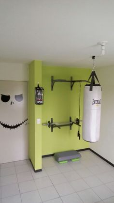 √ Best Home Gym Ideas and Gym Rooms for Your Training Room A home gym is an excellent way to save money. Have a look at the top home gym ideas along with tiny exercise area ideas for your home. Home Gym Basement, Home Gym Garage, Diy Home Gym, Home Gym Decor, Gym Room At Home, Workout Room Home, Best Home Gym, Workout Rooms, At Home Workouts