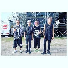 ONE OK ROCK! SUN STAGE 一発目スタート!!*(^o^)/* #RSR16 #RSR_VIOLA #ONEOKROCK  photo by @vizkage