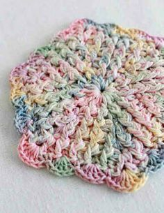 Free Crochet Pattern Vintage Pastels Coaster ~ use cotton crochet thread ~ FREE - CROCHET ~ very pretty! Crochet Potholders, Crochet Motifs, Crochet Squares, Crochet Doilies, Granny Squares, Crochet Coaster, Free Crochet Potholder Patterns, Hexagon Crochet Pattern, Crochet Hot Pads