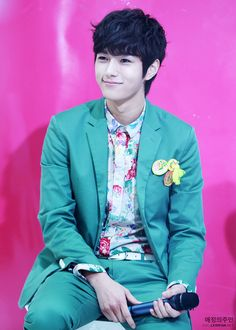 myungsoo (L) Infinite (shut up flower boy band)