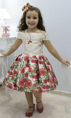 Kids Party Wear Dresses, Kids Dress Wear, Kids Gown, Toddler Girl Dresses, Little Girl Dresses, Baby Frocks Designs, Kids Frocks Design, African Dresses For Kids, Latest African Fashion Dresses