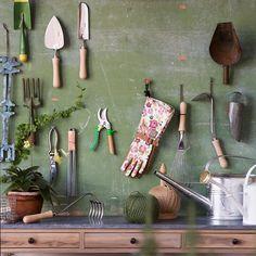 Sneeboer Traditional Dutch Transplanting Trowel in Garden Tools at Terrain Garden Tool Storage, Shed Storage, Garden Tool Organization, Organizing Ideas, Garden Rake, Garden Tools, Garden Sheds, Garden Shed Interiors, Garden Gear