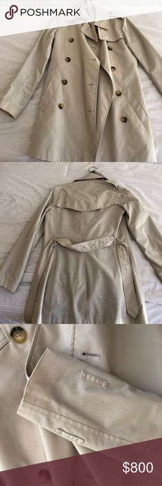 Burberry trench coat Kengsington Burberry trench coat. Beige. Has two little stains very lightly noticeable, you can see it in the pictures Burberry Jackets & Coats Trench Coats