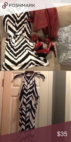 Black and White Chevron Print Dress Knee Length Chevron Print with Gold Collar Dresses