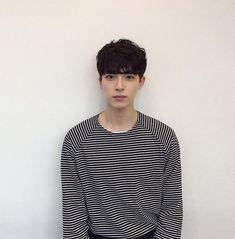 """People say that """"scars are tattoos with a better story"""", but there are people who are not ready to remember their story. Ma Hao Dong, Male Face Shapes, Asian Haircut, San Diego, Asian Cute, Ulzzang Boy, Asian Boys, Handsome Boys, Hot Boys"""