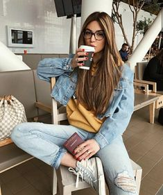 """catness-s:"""" Negin Mirsalehi"""" Negin Mirsalehi, Style Casual, Boyfriend Style, Malta, Airport Style, Fashion Outfits, Fashion Trends, What To Wear, Mom Jeans"""