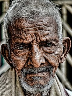 ~pinkzippo on deviantART - it hurts my heart to look into these eyes, I see so much pain and sorrow. God bless you, child of God Old Faces, Many Faces, Foto Art, Interesting Faces, Photos Du, People Around The World, Beautiful People, Beautiful Soul, Portrait Photography