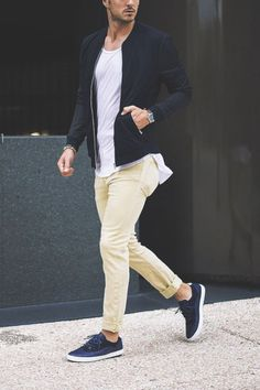 bright // sneakers, chinos, tshirt, menswear, mens style, man stuff