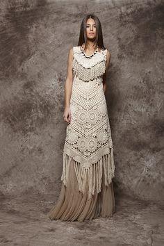 Vestido de ganchillo en color beige con flecos - 156,00€ : Zaitegui - Moda y ropa de marca para señora en Encartaciones                                                                                                                                                                                 Más