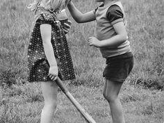 "Elliott Erwitt -Londra 1978 - ""Time is a game played beautifully by children."" (Heraclitus, Fragments) www.primomodo.com"