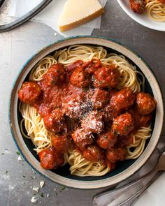 These Italian Meatballs are the best you will ever make….with 2 little changes… These Italian Meatballs are the best you will ever make….with 2 little changes to the usual recipe, these are extra soft with a special flavour boost! Meatball Recipes, Beef Recipes, Cooking Recipes, Cooking Ham, Budget Cooking, Meatball Subs, Cooking Wine, Healthy Recipes, Barbecue Recipes
