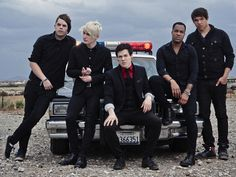SET IT OFF! Hottest band ever :')