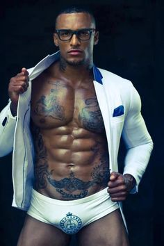 """allmaleharem: """" David Mcintosh """" I typically don't like men with a lot of tats….But this man is sexy AF! Black Is Beautiful, Gorgeous Men, Beautiful Body, Beautiful People, David Mcintosh, Thing 1, Hommes Sexy, Straight Guys, Male Body"""