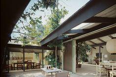 """1957 Cliff May Residence (Cliff May #5 """"Mandalay"""")   Los Angeles, CA   Photos: Maynard L. Parker"""