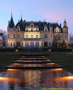 Le château Pichon - Parempuyre, Gironde, Aquitaine, France. Le château Pichon was built in 1881 in a neo-renaissance style combining various elements of the châteaux de la Loire. It was inscribed in the list of monuments historiques in 2000.