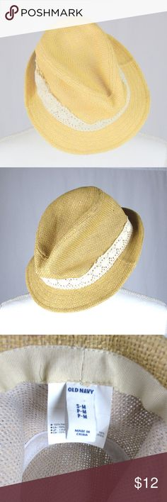 Old Navy straw fedora for women with lace band. Old Navy Accessories Hats Straw Fedora, Fedora Hat, Flat Platform Sandals, Fashion Design, Fashion Tips, Fashion Trends, Baby Baby, Stripes, Navy