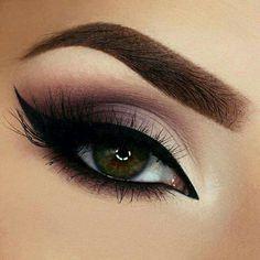 Maquillaje de ojos.  Cálido  Sombras café con ahumado negro