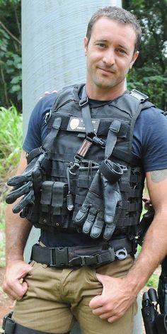 steve mcgarrett thigh holster - Google Search
