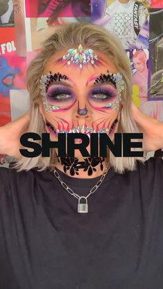 Our glitter skull has transformed over the years - make it 2019 with our Skull Full Face Jewel and Neon Pink Pigment 💀💗 makeup videos NEON SKULL TUTORIAL Amazing Halloween Makeup, Halloween Eyes, Halloween Makeup Looks, Halloween Skull Makeup, Sugar Skull Halloween, Halloween Night, Maquillage Sugar Skull, Helloween Party, Angel Halloween Costumes