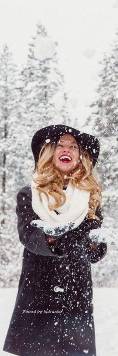 Seasons Poem, Seasons Of Life, Snowy Day, Winter Day, Chalet Chic, Winter Magic, Snow And Ice, Ski Fashion, Snow Scenes