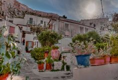 Anafiotika is a scenic tiny neighborhood of #Athens, part of old historical neighborhood called Plaka. It lies in northerneast side of the #Acropolis hill. #greece #travel #athensattractions