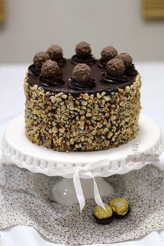 Muita avelã e Nutella nesse Bolo Ferrero Rocher! Não tem como não querer!!!! Bolos Naked Cake, Naked Cakes, Brownies, Brownie Cake, Nutella, Bolo Ferrero Rocher, Pelo Chocolate, Chocolate Cakes, Chocolates