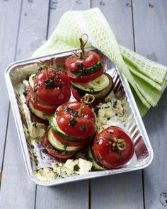 Grill vegetables - vegetables and grated cheese - Vegeterian Vegetable Recipes, Vegetarian Recipes, Cooking Recipes, Healthy Recipes, Eating Light, Exotic Food, Best Food Ever, Grilled Vegetables, Snacks