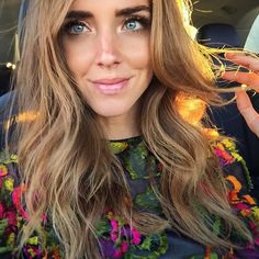 Awesome natural hair and makeup by @meghsicles for today's photoshoot ✌️ #TheBlondeSaladNeverStops Follow my day on Snapchat @chiaraferragni