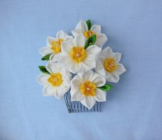 Large Bunch of Daffodil Flowers Tsumami Kanzashi by HanamiGallery