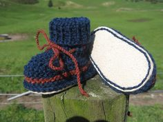 8 ply or double knit sheepskin soled bootee pattern