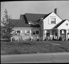 Photo of house at 3616 Hycliffe. :: Royal Photo Company Collection
