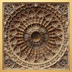 Eric Standley's brilliant and one-of-a-kind form of laser-cut paper art imitates the intricate patterns of Gothic and Islamic architecture to create mind-bendingly complex and beautiful mandala-like artworks. Lart Du Papier, Paper Cutting, Papercut Art, Laser Cut Paper, Mandalas Drawing, Colossal Art, 3d Laser, Laser Art, Stained Glass Windows