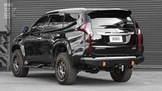 Montero Sport, Mitsubishi Pajero Sport, Bull Bar, Wings Design, Rottweiler Dog, Cadillac Escalade, Jeep, Sports, Cars