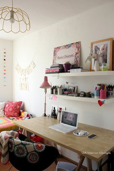 Desk // Workspace // Home Office // Apartment // House // Home Decor // Interior Design // Styling // Decoration