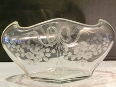 HARRACH CLEAR GLASS BOWL WITH ENGRAVED DECOR. Circa 1900 www.madforglass.com Glass Collection, Clear Glass, Decor, Decoration, Decorating, Deco