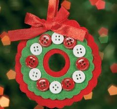 Another felt Christmas ornament - no sewing needed!...but I stitch mine, as the glue will break down / discolor over time.