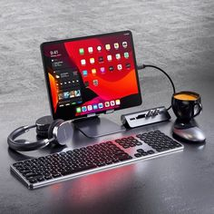 For using this portable work space with you need accessories for Apple iPad Gaming Computer, Computer Desk Setup, Gaming Room Setup, Computer Gadgets, Gaming Rooms, Computer Desk Organization, Gamer Setup, Gaming Desktop, Computer Programming